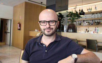 Javier Márquez Sánchez. Novelista en blanco y negra